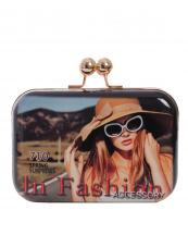 H831124-wholesale-fold-over-patent-wristlet-clutch-eveningbag-magazine-chain(0).jpg